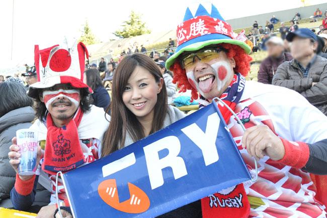 日本代表関連の試合には必ずといっていいほど見かける、日本代表応援団長のおふたりもいらっしゃったのでパチリ