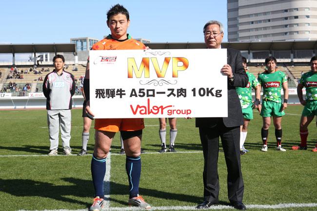 昨年の同チャリティーマッチではFB五郎丸が最優秀選手に選ばれた photo by Kenji Demura