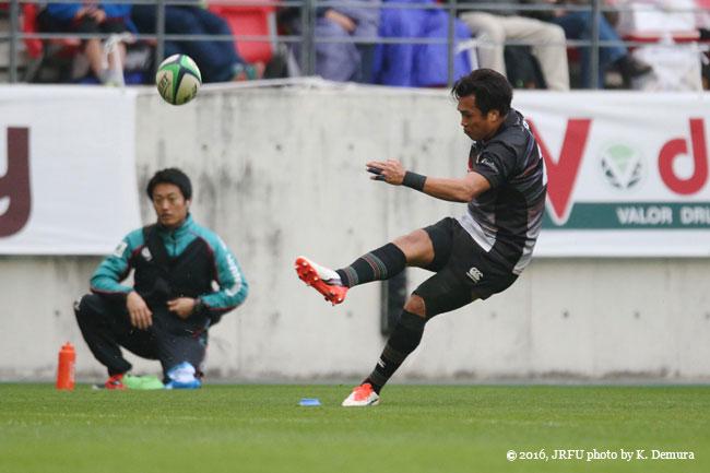 この試合最後のコンバージョンを成功、大西将太郎選手(トップリーグXV/豊田自動織機シャトルズ)