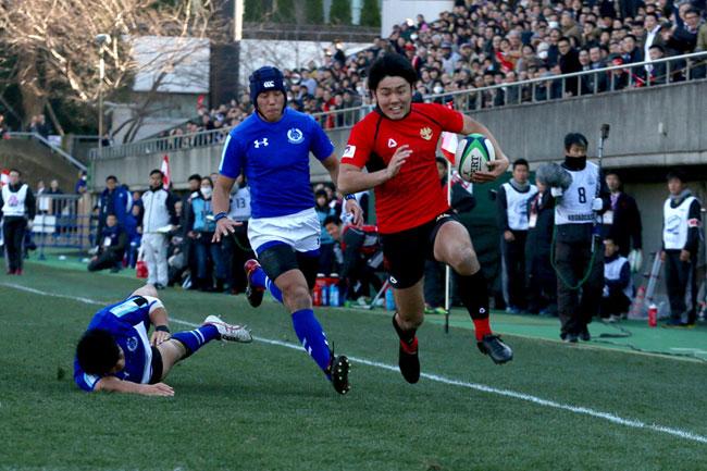 昨年準優勝の帝京大。昨季、圧倒的な決定力で大学ラグビーのスターに躍り出た竹山の決定力も注目される photo by Kenji Demura